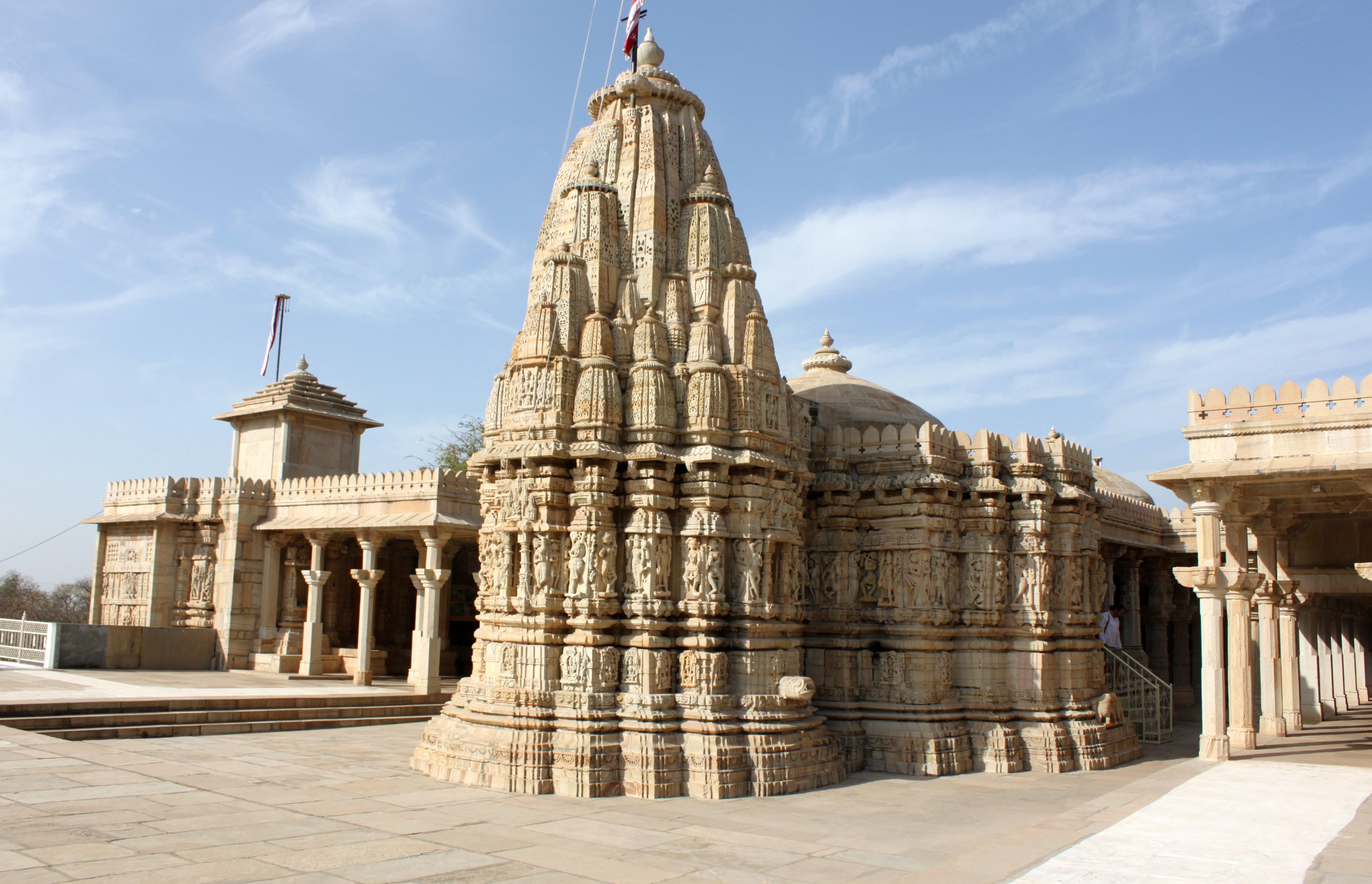 Saatbees Deori (Digamber Jain Temple) 9