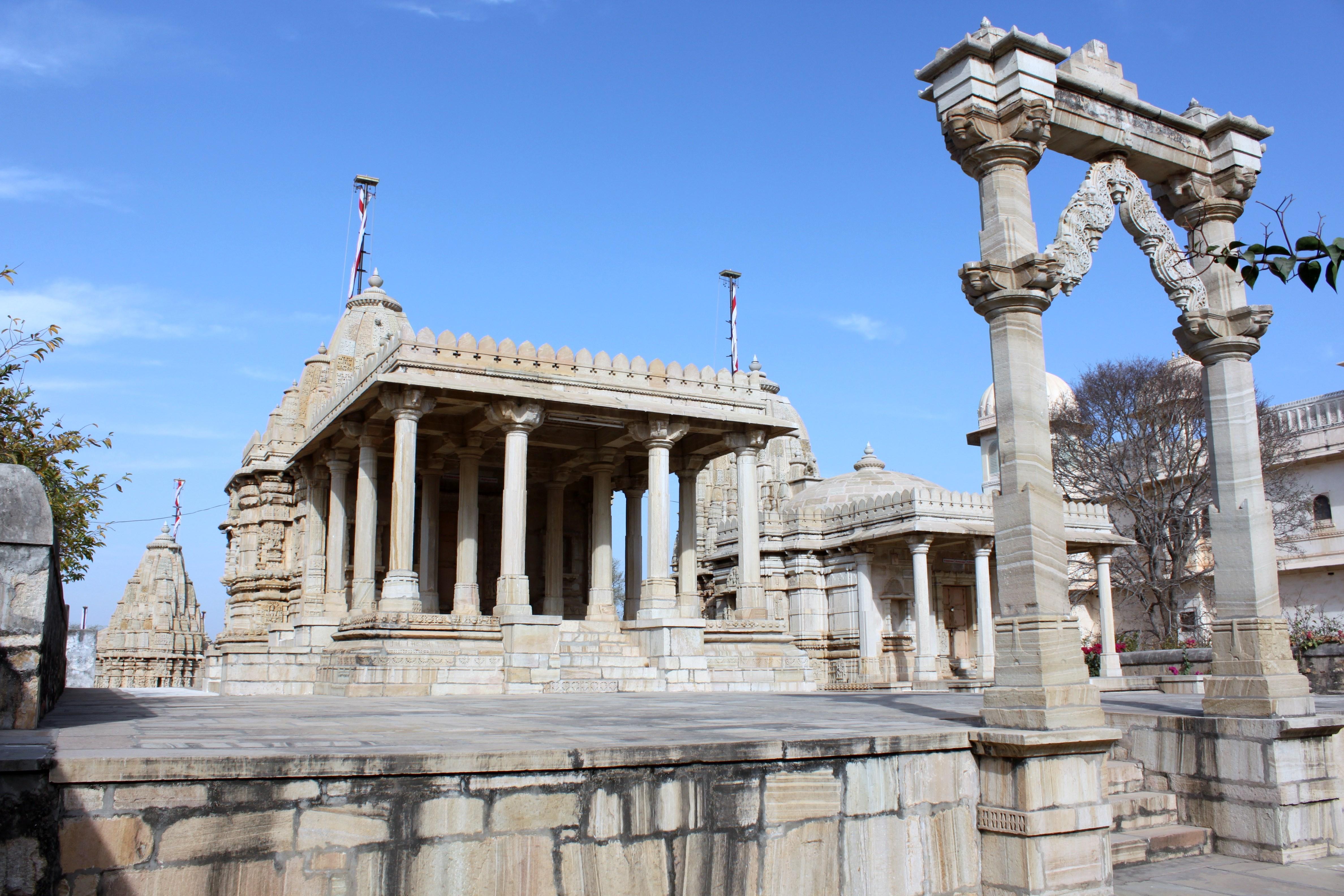 Saatbees Deori (Digamber Jain Temple) 12