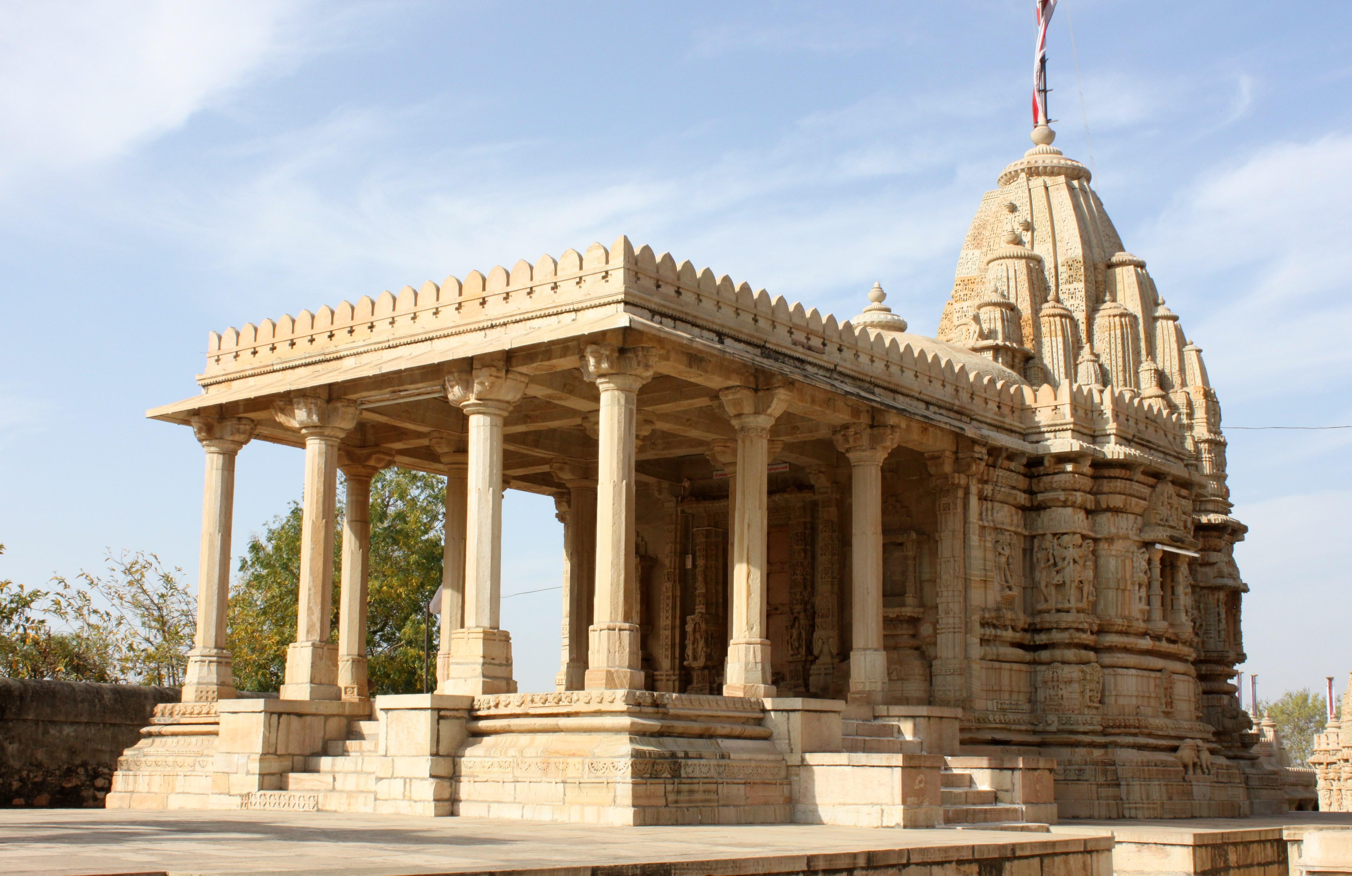 Saatbees Deori (Digamber Jain Temple) 15