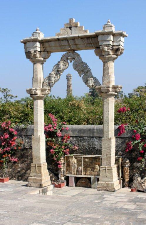 Saatbees Deori (Digamber Jain Temple) 3