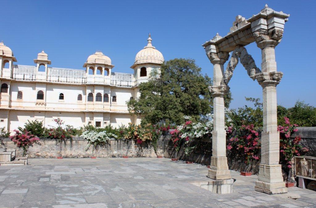 Saatbees Deori (Digamber Jain Temple) 4