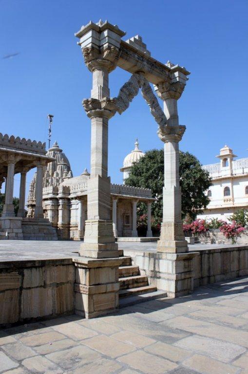 Saatbees Deori (Digamber Jain Temple) 5