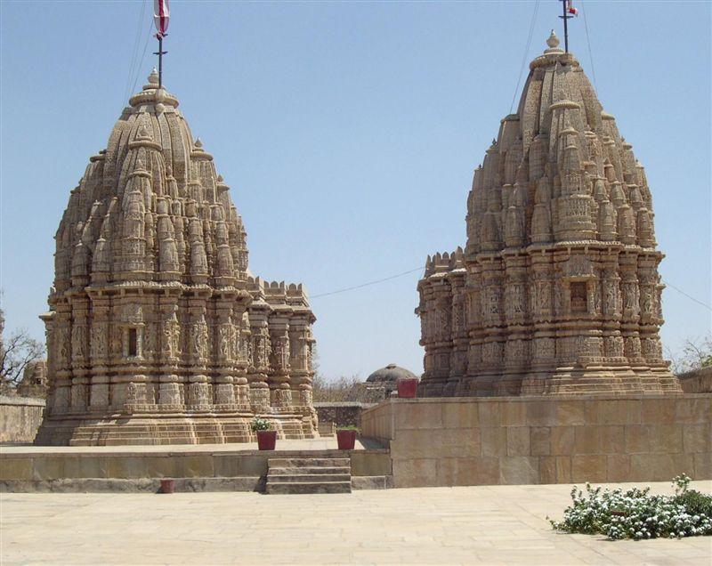 Saatbees Deori (Digamber Jain Temple) 25