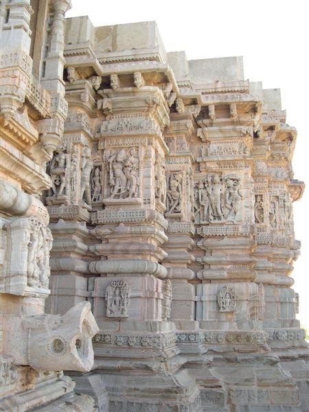 Saatbees Deori (Digamber Jain Temple) 27